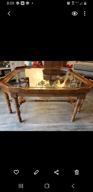 Coffee table for Sale in Newark, OH