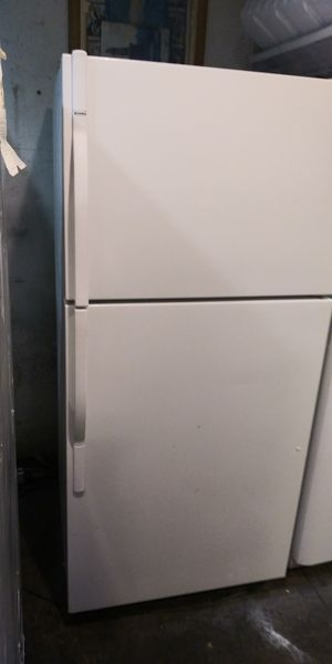 K3nmore refrigerator for Sale in San Francisco, CA