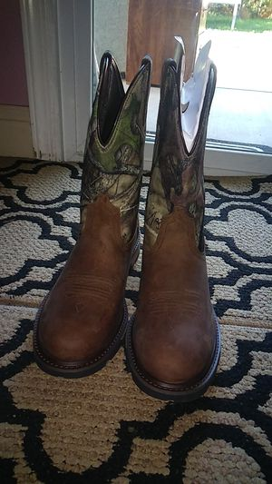 Ariat men boots for Sale in Reedley, CA