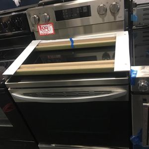 NEW SCRATCH AND DENT LG STAINLESS STEEL ELECTRIC STOVE WITH WARRANTY for Sale in Laurel, MD