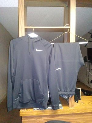 Nike sweat suit for Sale in Baltimore, MD