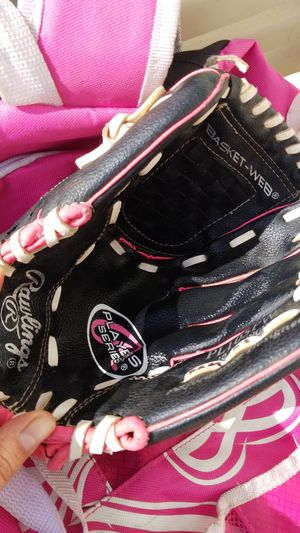Softball/ baseball glove 10 1/2 for Sale in Norwalk, CA