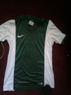Nike shirt size 7 to 10 for Sale in Long Beach, CA