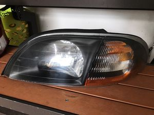 Ford Windstar Driver side Headlight for Sale in San Diego, CA