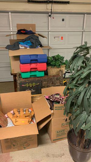 Clothes, k'nex engineering toys, desk, purses, paint supplies, frames etc for Sale in Phoenix, AZ