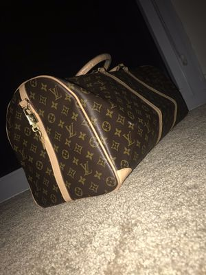 Louis Vuitton duffel bag for Sale in North Bethesda, MD