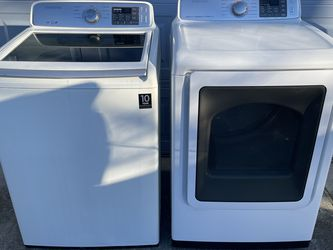SAMSUNG SUPER CAPACITY WASHER AND STEAM DRYER for Sale in Chesapeake,  VA