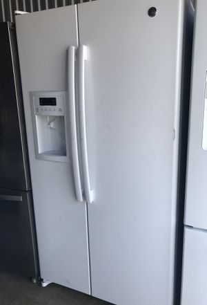 Ge,white refrigerator for Sale in Temple Hills, MD