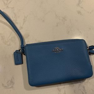 Authentic COACH Wristlet for Sale in Enumclaw, WA