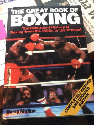 The great book of boxing by Harry Mullan for Sale in Glendale, AZ