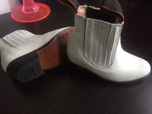Real Leather Mexican Boots White size C 1-2 for Sale in Riverdale Park, MD