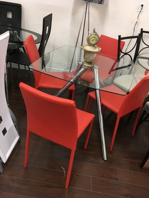 Dining table new for Sale in Miami, FL