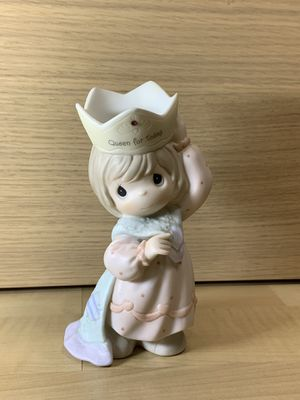 """Precious Moments Mom You're A Royal Gem """"Queen For Today"""" Crown figurine for Sale in Los Angeles, CA"""