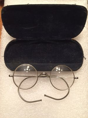 Antique wire framed eye glasses in original leather case. Please check my other items for Sale in Coral Gables, FL
