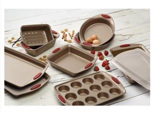 Rachael Ray 5 piece bakeware set. for Sale in Portland, OR