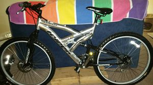 "Shimano Mountain Bike Hyper aluminum Bicycle disc brakes 19"" 700 S Series flight 26 all terrain for Sale in Gig Harbor, WA"