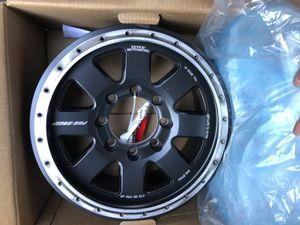 (1) Pro Comp True Bead Lock Wheel ( 8 on 6.5 Offset -5mm 17x9 ) for Sale in Riverside, CA