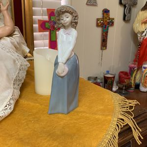 NAO Figurine Lladro for Sale in Arcadia, CA