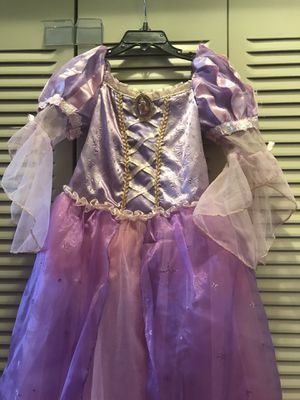 Rapunzel princess Halloween dress with hair band long braid for Sale in Woodridge, IL