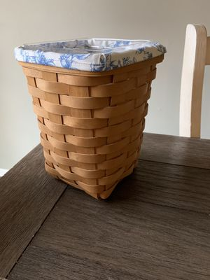 Tall Longaberger basket for Sale in Cranbury Township, NJ