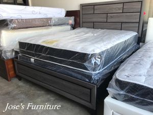 Queen Bed (Mattress Included) for Sale in Lynwood, CA