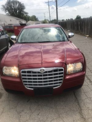 2008 Chrysler 300 clean title need gone today for Sale in Groveport, OH