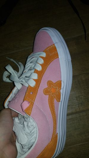 Golf le fleur converse size 8 for Sale in Phoenix, AZ