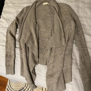 Women's Abercrombie & Fitch Cardigan for Sale in Chicago, IL