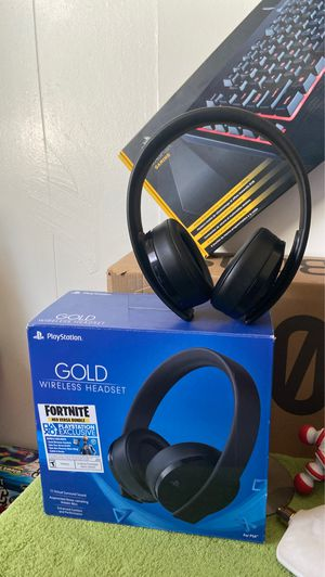 Gold wireless headset PlayStation for Sale in Aurora, CO