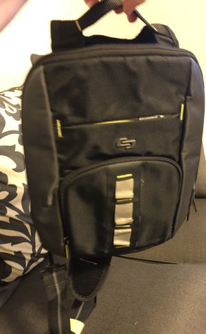 Cross body tablet backpack for Sale in Fort Leonard Wood, MO