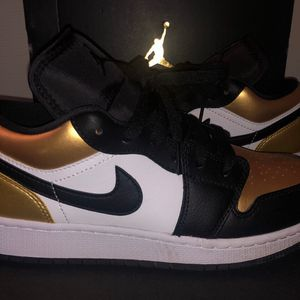 Air Jordan 1 Low Gold Toe Size 6Y for Sale in Chula Vista, CA