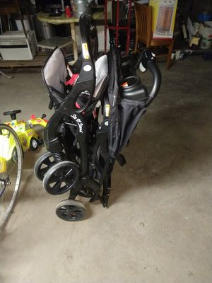 Baby stroller and good clean condition for Sale in Cicero, IL