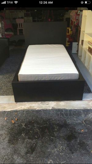Twin bed frame with mattress for Sale in Sunrise, FL