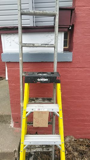 4 ft husky ladder 1 ALum 10 ft it extends for Sale in Cleveland, OH