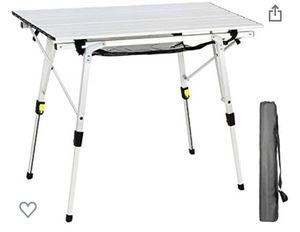 Mesa de picnic portátil portátil portátil para exteriores con patas de aluminio, altura ajustable, con capa superior de malla for Sale in Long Beach, CA