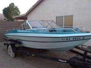 Glastron 17ft Ski/Bass boat for Sale in Apache Junction, AZ