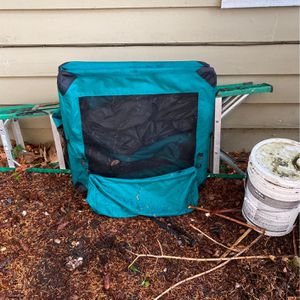 Free Collapsible Large Dog Crate for Sale in Bothell, WA