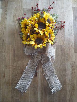 """24"""" sunflower door hanger for Sale in Baltimore, MD"""