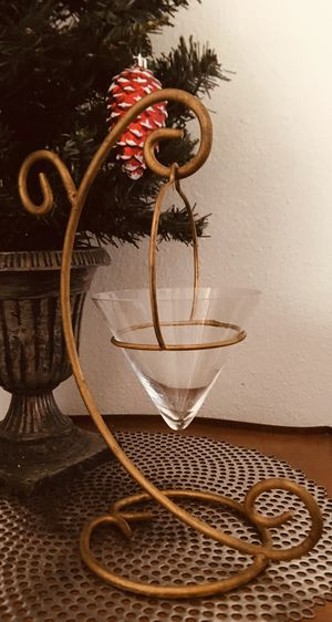 """Beautiful Vintage Metal Home Decor Table Piece. Can be Used with Candle or Popurri Scents. 14"""" T ** PICKUP ONLY ** for Sale in Tempe, AZ"""