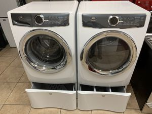 Electrolux 4.4 cu ft washer & gas dryer 8.8 cu ft for Sale in Hayward, CA