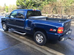 2000 Chevy Silverado extra cab LT Z71 4X4 One owner only 136,000 miles all power options looks and runs great everything works clean title title in h for Sale in Puyallup, WA