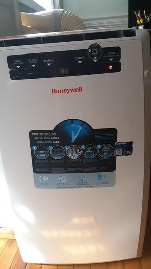 Honeywell window a/c unit for Sale in Novato, CA