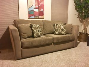 Clean Crate & Barrel Sofa (Free Delivery) for Sale in Aspen Hill, MD