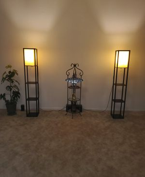 4 tier corner shelves with lamp for Sale in Little Rock, AR