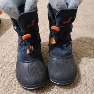 Magellan Snowboots Boys 13 for Sale in Katy, TX