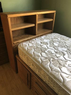 Free best set with mattress for Sale in Tampa, FL