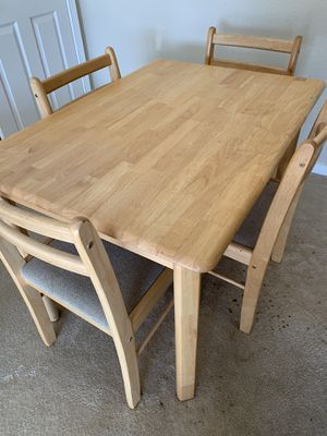 Kitchen Table and Chairs for Sale in North Chesterfield, VA