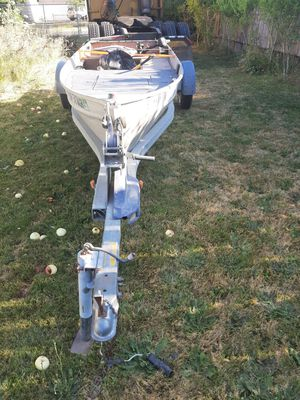 12 foot aluminum boat with trailer for Sale in Portland, OR