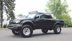 No Rust 03 Toyota Tacoma for Sale in Dallas, TX