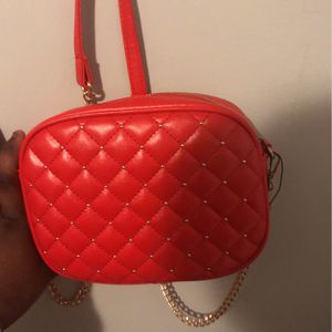 red purse for Sale in Hammond, IN